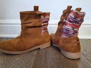 Girls size 1.5 Toms's boots for Sale in Annetta, TX