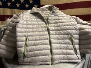 Patagonia men's - L Puffer Jacket for Sale in Millbrae, CA