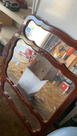 Free mirror for Sale in Hemet, CA