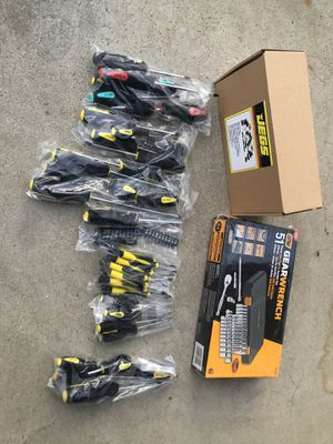 New Tools , gear wrench set and Screwdriver set for Sale in Sanger, CA