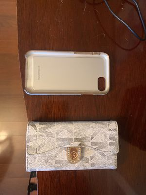Woman's iPhone 7/8 iPhone case for Sale in Pittsburgh, PA