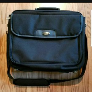 New Targus laptop bag for Sale in Sherwood, OR