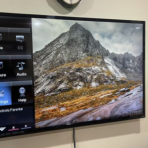 Vizio 60 Inch Razor LED 1080p for Sale in Laurel, MD