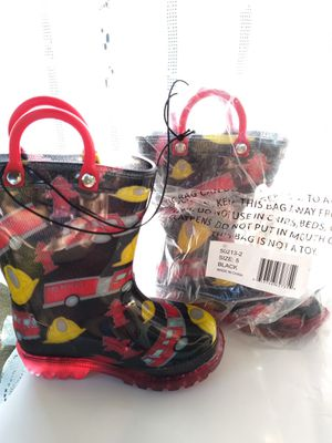 Lil Boys Light-Up Rain Boots Size 5t for Sale in Oroville, CA