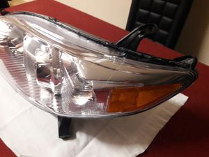 2011-17 TOYOTA SIENNA OEM HEADLIGHT. for Sale in Hialeah, FL