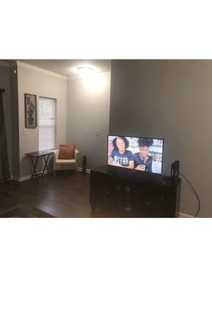 Small tv stand for Sale in Atlanta, GA