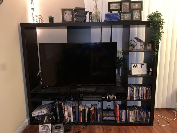 Entertainment center, tv stand
