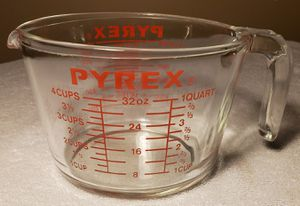 PYREX Measuring Cup 4 Cups / 1 Quart for Sale in Downey, CA