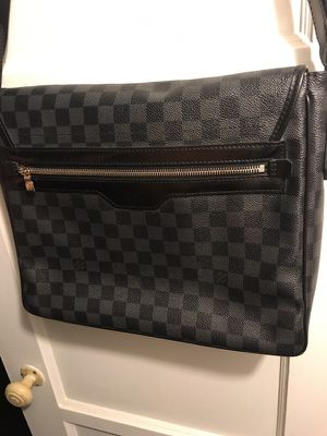 Louis Vuitton Messenger Bag for Sale in Los Angeles, CA