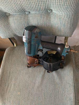 Makita roofing nail gun. for Sale in Perris, CA