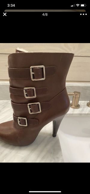 Gianni Bini Leather Boots Size 8 Fabric Fur Lined for Sale in Carrollton, VA
