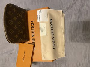 Louis Vuitton Cosmetics Bag for Sale in Glendale, CA