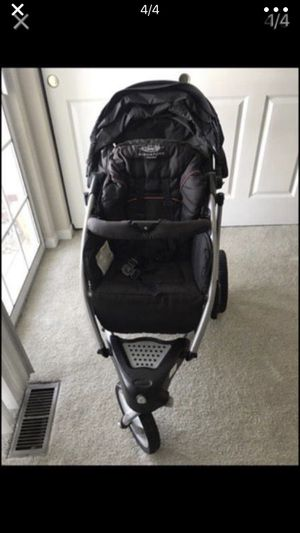 Graco baby stroller and infant car seat for Sale in GRANDVIEW, OH