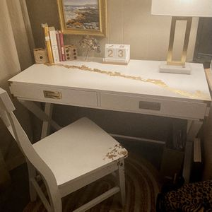 Beautiful PIER ONE WRITING DESK & CHAIR for Sale in Port Orchard, WA