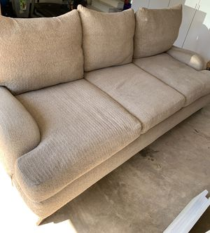 Oversized couch sofa very comfortable for Sale in Centreville, VA