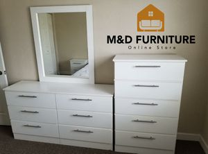 Comoda nueva con espejo y gavetero... New Dresser with mirror and chest for Sale in Miami, FL