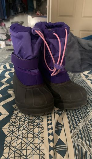 Colombian girls size 12 snow boots for Sale in Fountain Valley, CA