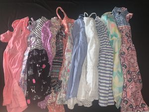 Girl toddle size 5/6 clothes. Over 100 pieces for Sale in Mesa, AZ
