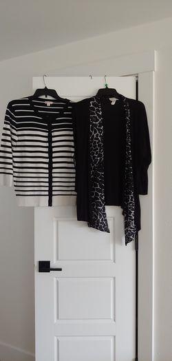 2 Sweathers size L for Sale in Renton,  WA