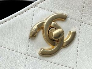 Chanel classic style leather bag for Sale in Orange, CA
