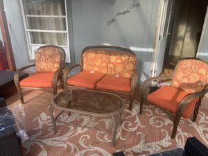 Set of four pieces patio furniture excellent condition for Sale in Lakewood, WA