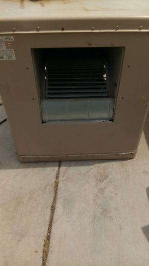 Large swamp cooler side draft for the roof garage patio 6600 CFM for Sale in Fontana, CA