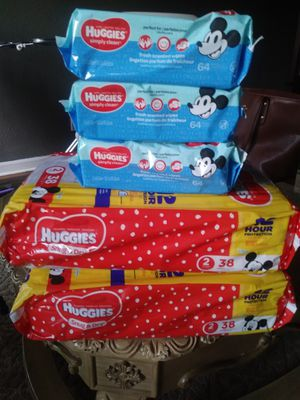2 Bags of pampers #2 and 3 wipes for Sale in Milwaukie, OR
