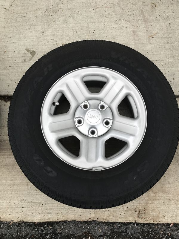 2018 Jeep Wrangler wheels , very near dead stock asking price is 780 but price is negotiable
