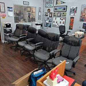 Office Chair For Free Must Take All for Sale in Fort Lauderdale, FL