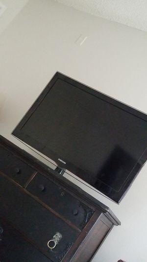 Samsung TV for Sale in Riverside, CA