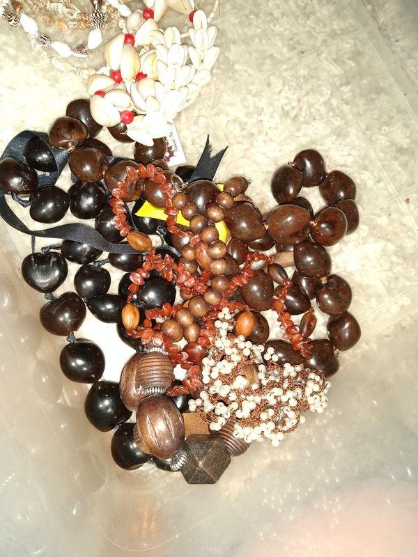 Mixed lot of Hawaiian and shell necklaces