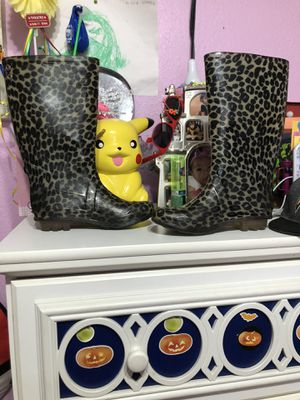 Rain boots for Sale in Woodland, CA