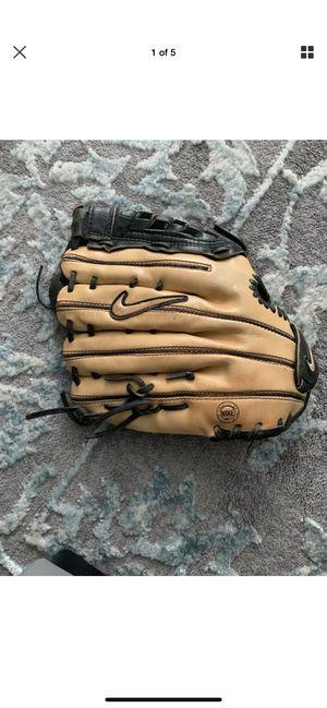 "Nike DE Diamond Elite Edge 12.50"" Baseball Glove Right Handed Throw 12.50 for Sale in Pompano Beach, FL"