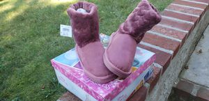 Girls size 12 Pink Disney Princess Boots for Sale in Bay Shore, NY