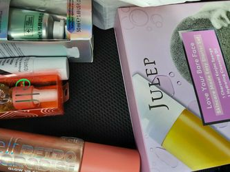 Lot Of Cosmetics for Sale in Irvine,  CA