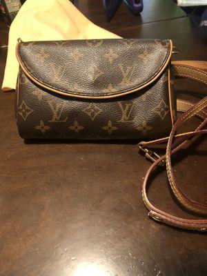 Louis Vuitton belt bag or shoulder bag 2 in 1 for Sale in Los Angeles, CA