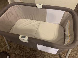 Chicco LullaGo portable crib for Sale in Las Vegas, NV