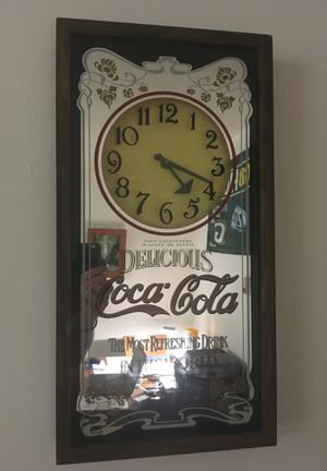 ANTIQUE COCA COLA WALL MIRROR W/original finish and mech. for Sale in Milwaukee, WI