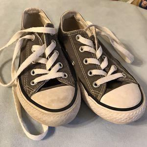 Kids 11 Converse Shoes for Sale in Belzoni, MS