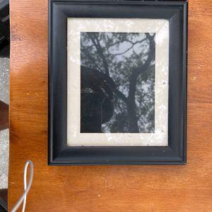 Digital Picture Frame for Sale in Valrico, FL
