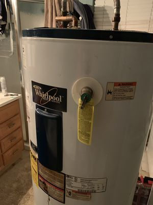 Water Heater, whirlpool, electric for Sale in Plantation, FL