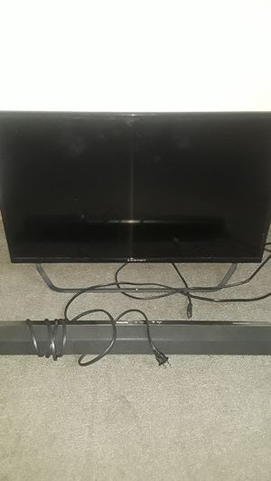 32 inch element smart tv wit remote and sound bar by Philips that blu tooth for Sale in Columbus, OH