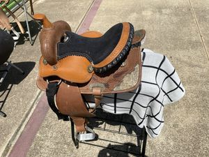 """Western saddle Kids saddle size 13"""" black suede seat for Sale in Houston, TX"""