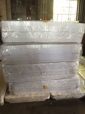 Queen jumbo double side mattress and box spring for Sale in Chicago, IL