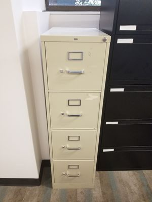 Metal filing cabinet for Sale in Silver Spring, MD