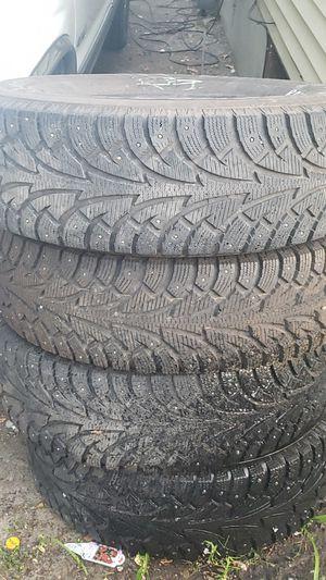 Chevy blazer 1998 snow Wheels for Sale in Burien, WA