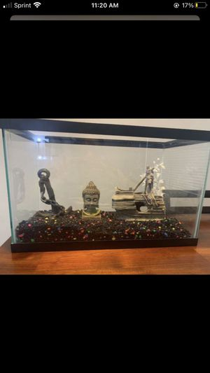 Fish Tank 10GAL for Sale in Los Angeles, CA