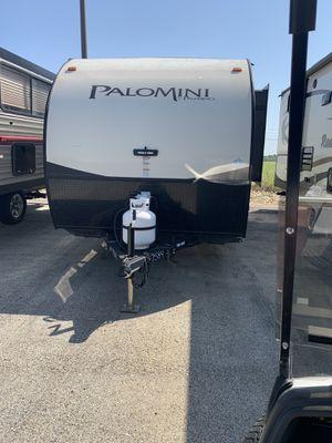 2016 18ft front bed palomini for Sale in Alvarado, TX