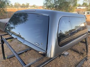Camper Shell for the 5ft bed Nissan Frontier 2005 to 2019 for Sale in Perris, CA