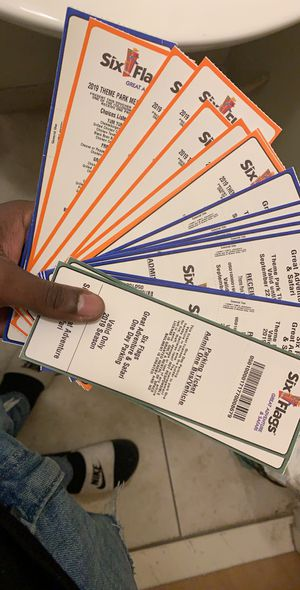Six flags tickets for Sale in Queens, NY